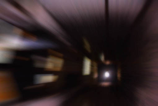 イメージ;出口に向かう.jpg