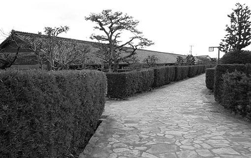 屋敷の路.jpg