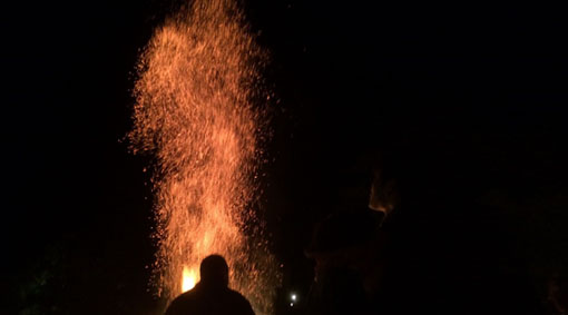 火の粉.jpg